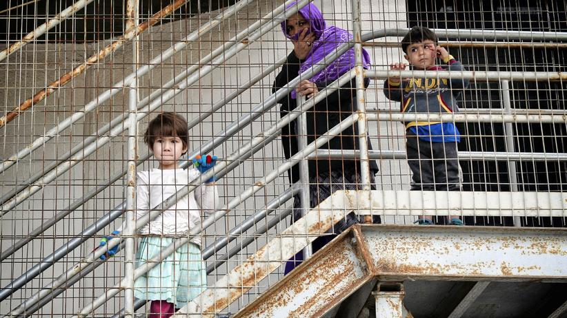 EU-Türkei-Abkommen: Diese Kinder in einem Camp in Athen haben es aufs griechische Festland geschafft.