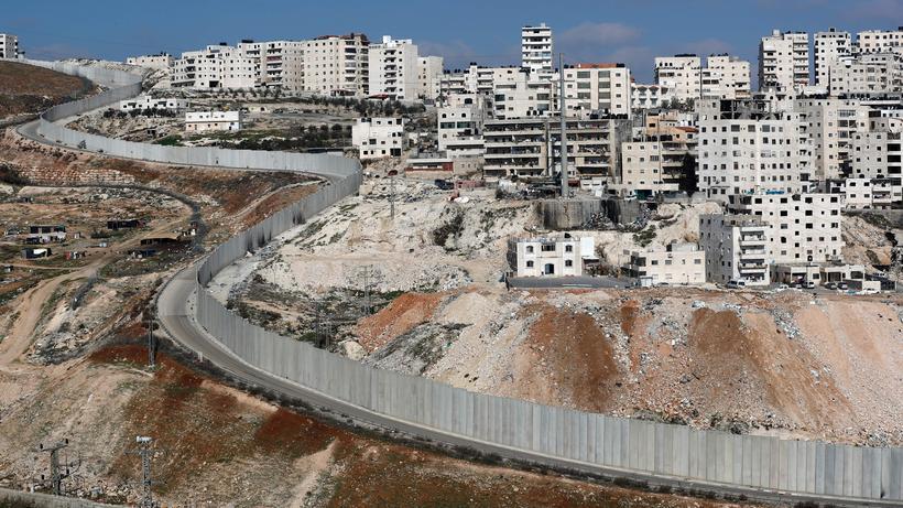 Siedlungspolitik: Israelische Trennmauer zwischen Ostjerusalem und Anata im Westjordanland