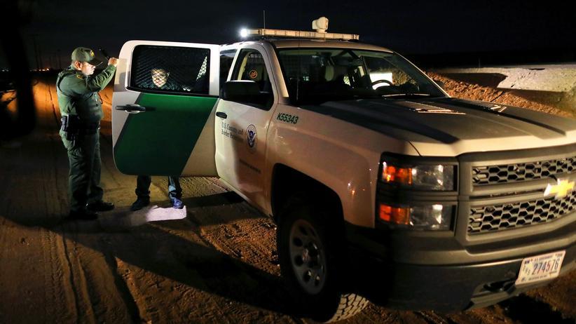 Donald Trump: US-Behörden nehmen Hunderte illegale Einwanderer fest