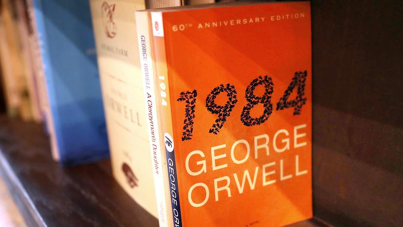 """1984"": George Orwells Roman ""1984"" in einer Buchhandlung in Los Angeles"