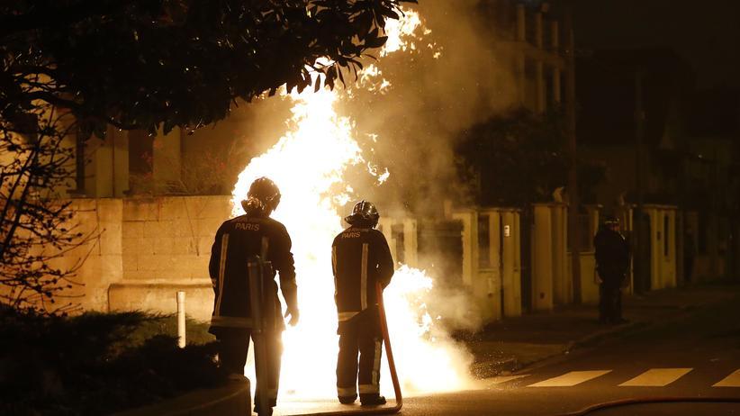 Polizeigewalt in Frankreich: Am Wochenende brannte es bei Protesten im Pariser Vorort Bobigny.