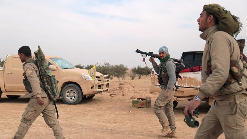 """""""Islamischer Staat"""": Kämpfer der Syrian Democratic Forces: Sie könnten, so die Planspiele, die zentrale Rolle beim Sturm auf Rakka spielen."""