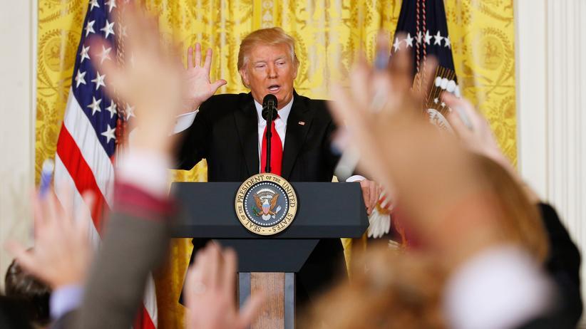 """Donald Trump: """"Noch nie eine derart unehrliche Presse erlebt"""": US-Präsident Trump während seiner Pressekonferenz Mitte Februar in Washington"""