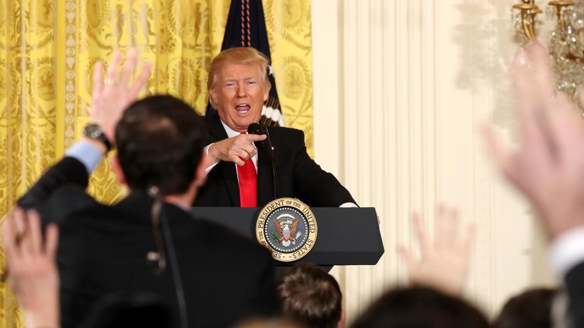 """Donald Trump: Mit einem Lügenfragebogen gegen die """"Lügenpresse"""""""