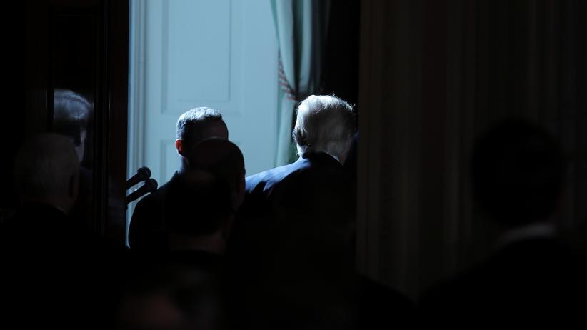 Donald Trump: Was plant er? US-Präsident Donald Trump im Weißen Haus