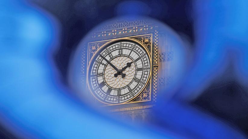 Brexit: Der Big Ben in London. Der Zeitplan für den Brexit könnte sich durch den Streit ums Bleiberecht für EU-Bürger verzögern.