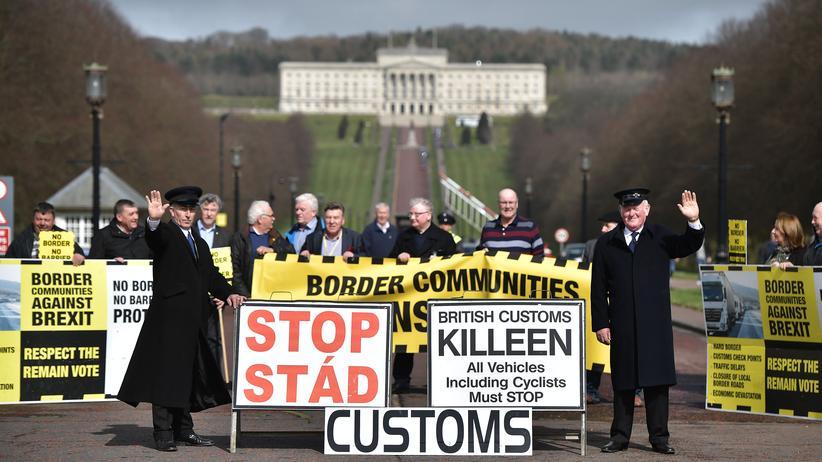 Europäische Union: In Belfast protestieren Nordiren gegen den EU-Austritt Großbritanniens.