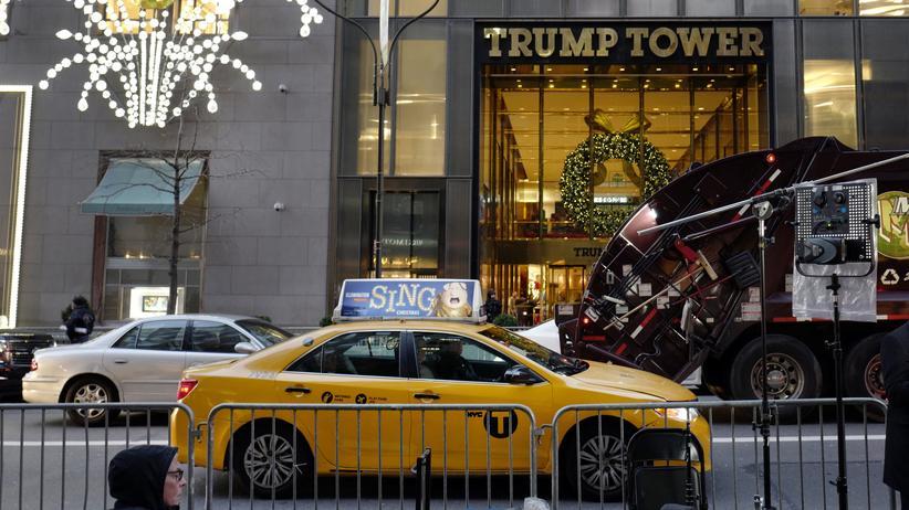 Secret Service: Dem für Donald Trump zuständigen Sicherheitsdienst ist ein Laptop gestohlen worden, auf denen unter anderem Pläne des Trump Towers gespeichert sind. (Archivbild)