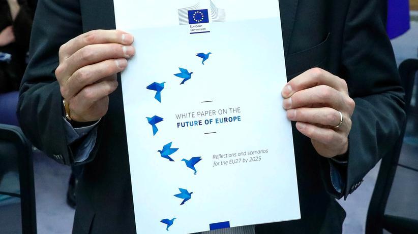 Europäische Union: Jean-Claude Juncker präsentiert das Weißbuch über die Zukunft Europas.