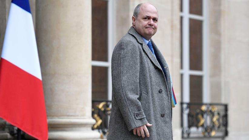 Frankreich: Innenminister Le Roux tritt zurück