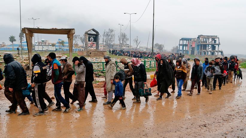 Mossul: Bewohner in Mossul fliehen vor den Kämpfen zwischen der Armee und dem IS