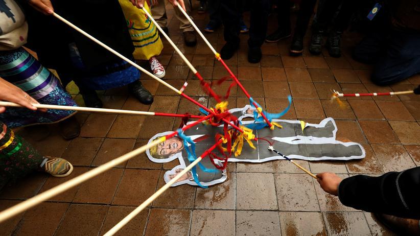 Demokratie: Proteste von Indigenen gegen Donald Trumps Pipeline-Projekte in Washington