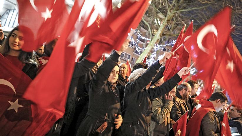 Rotterdam Türkei Konsulat Proteste Istanbul