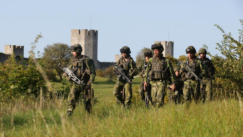 Militärdienst: Schweden führt die Wehrpflicht wieder ein