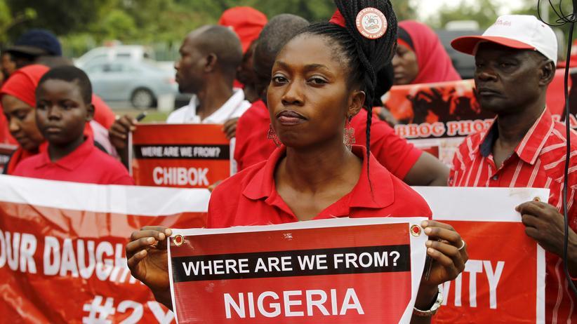 Nigeria: Die Kampagne Bring back our girls setzt sich für Hunderte Mädchen ein, die von der Terrormiliz Boko Haram verschleppt wurden.