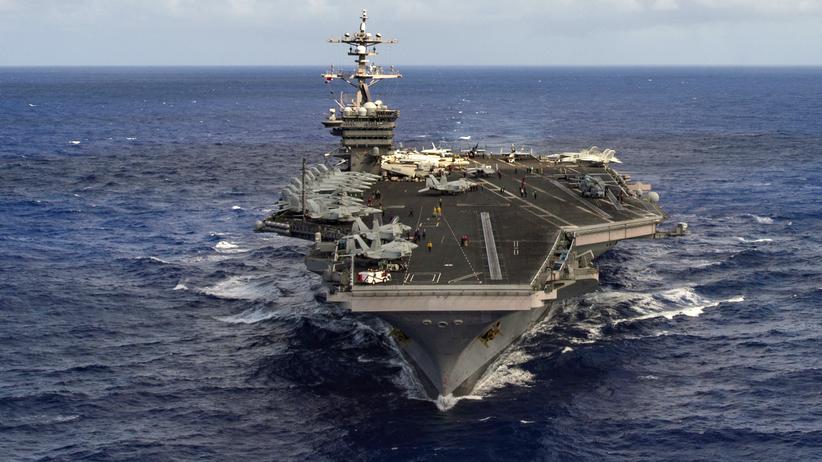 """Über die Fahrt der """"USS Carl Vinson"""" gab es eine Reihe Falschmeldungen."""