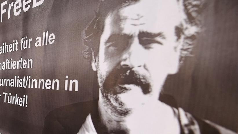 Deniz Yücel: Solidaritätsbekundung für den Journalisten Yücel