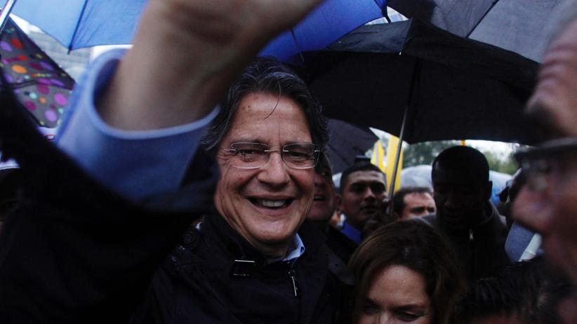 Ecuador: Der konservative Präsidentschaftskandidat Guillermo Lasso nach der Entscheidung des Wahlrates