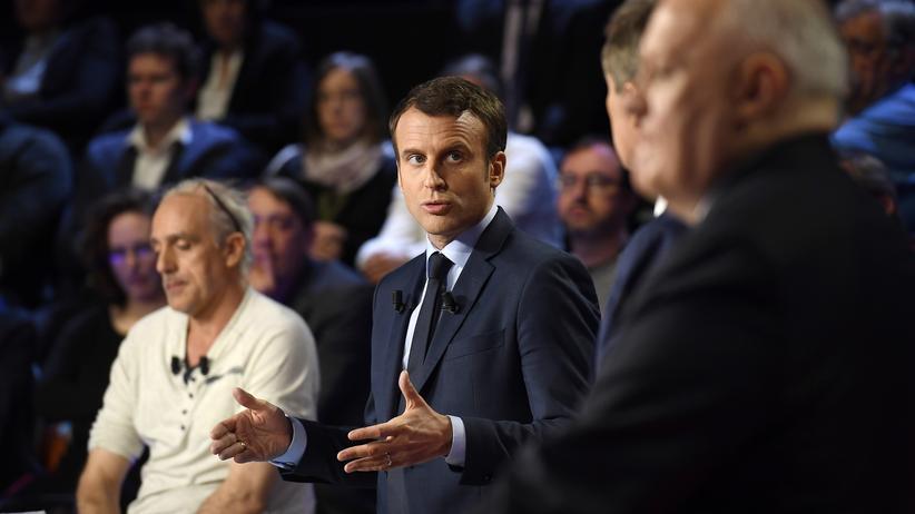 Frankreich: Emmanuel Macron (Mitte) von der Bewegung En Marche, der als parteiloser Kandidat antritt, gilt als aussichtsreichster Kandidat bei den französischen Präsidentschaftswahlen.