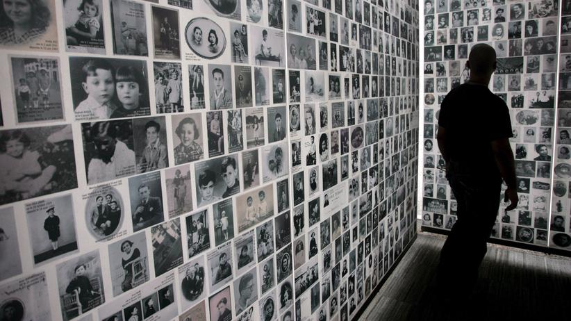 Rechtspopulismus: Eine Gedenkstätte für während des Zweiten Weltkriegs deportierte Juden in Paris. Welche Rolle spielte Frankreich beim Holocaust?