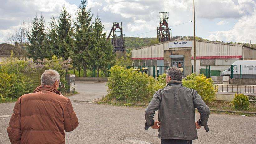 Arbeiterklasse in Frankreich: Braun, auf rotem Grund