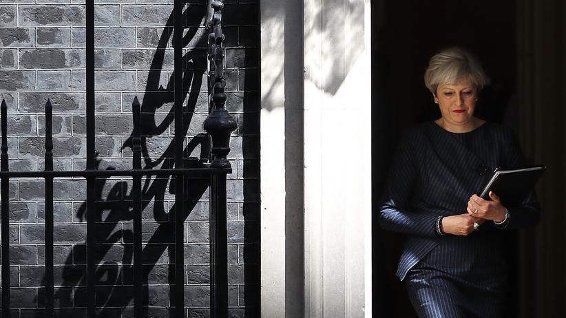"""Brexit: """"Sicherheit, Stabilität und eine starke Führung"""": Theresa May auf dem Weg, die Neuwahlen zu verkünden."""