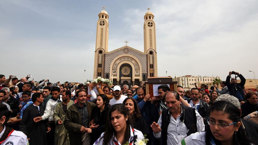 Ägypten: Trauer nach dem Anschlag auf eine koptische Kirche in Alexandria