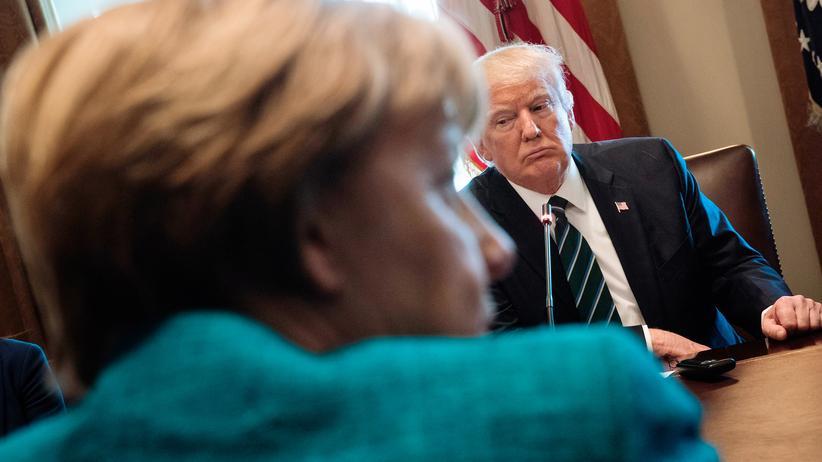 US-Militäreinsatz: Bundeskanzlerin Angela Merkel und US-Präsident Donald Trump bei einem Treffen im Weißen Haus