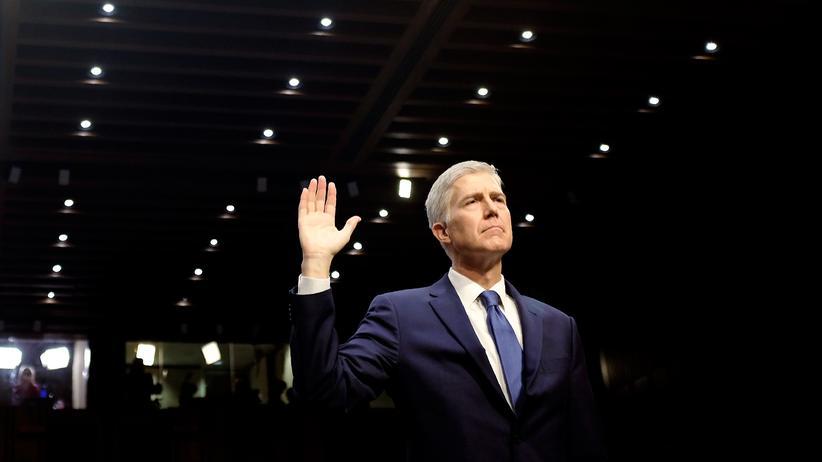 """US-Senat: Nachdem die Republikaner zur drastischen """"nukleare Option"""" gegriffen haben, ist der Weg für Neil Gorsuch frei, Richter am Supreme Court zu werden."""