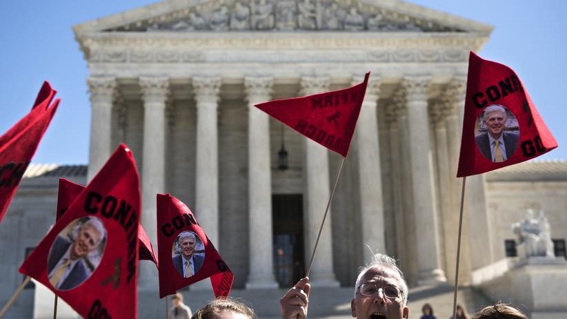 Neil Gorsuch: Unterstützer von Neil Gorsuch demonstrieren vor dem Obersten Gerichtshof in Washington.