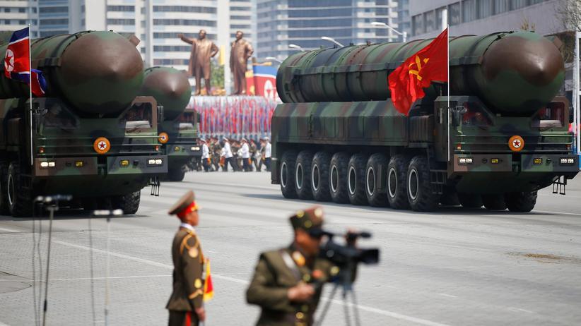 Konflikt mit USA: Nordkoreanische Interkontinentalraketen werden bei einer Militärparade vorgeführt.