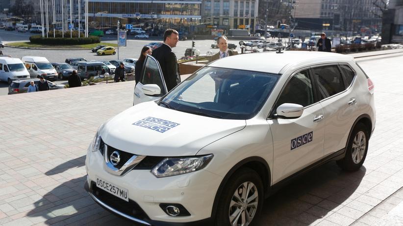 Luhansk: Der stellvertretenden Leiter der OSZE-Sonderbeobachtermission in der Ukraine Alexander Hug in Kiew