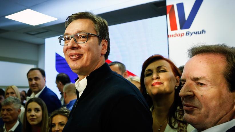 Aleksandar Vučić: Wechselt von der Regierungs- an die Staatsspitze: Aleksandar Vučić hat die Präsidentschaftswahl in Serbien gewonnen