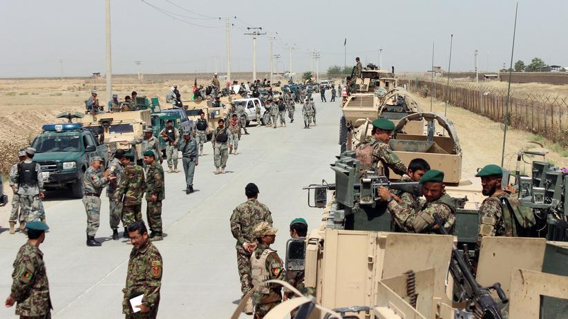 Afghanistan: Afghanische Soldaten bereiten sich in der Nähe von Kundus auf einen Einsatz gegen die Taliban vor. (Archivbild: 12. Juni 2016)