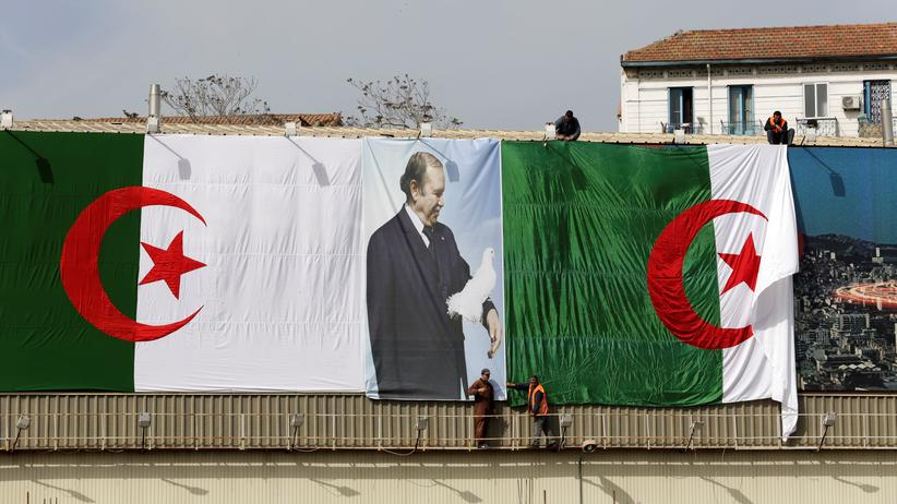 Algerien: Wahlplakat mit Präsident Abdelaziz Bouteflika in Algiers