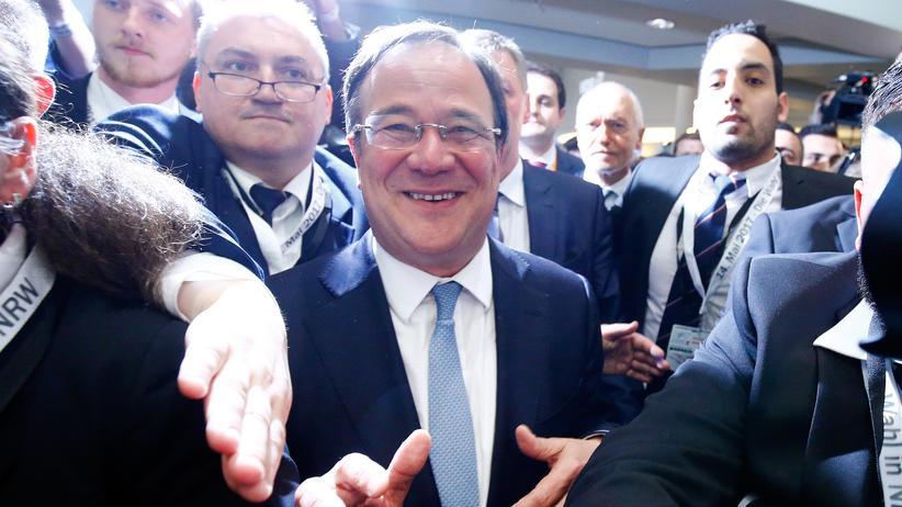 CDU-Spitzenkandidat Armin Laschet feiert seinen Sieg in NRW.