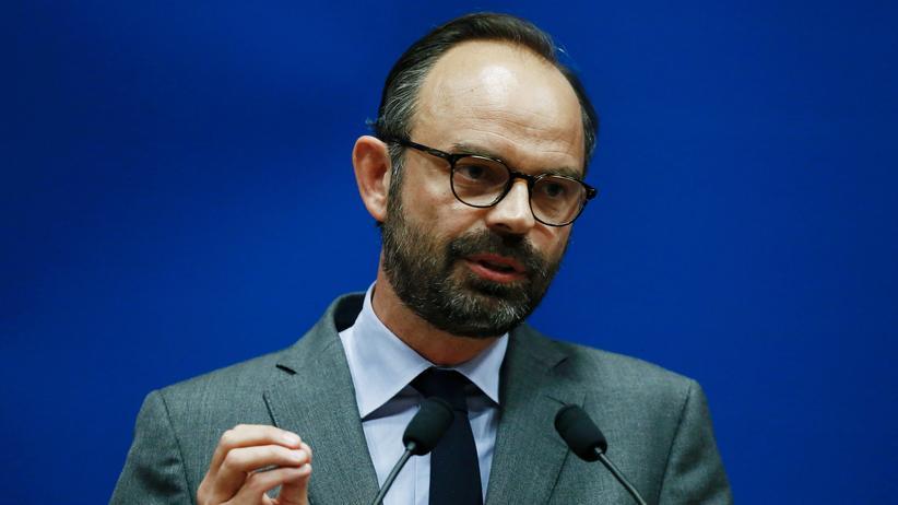 Macron macht Mitte-Rechts-Politiker Philippe zum Premierminister