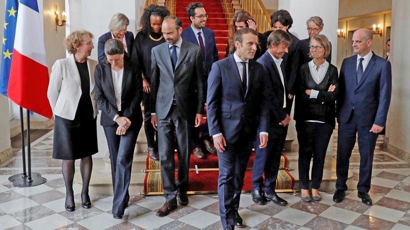 Frankreich: Der französische Präsident Emmanuel Macron mit seinem Kabinett im Pariser Élysée-Palast