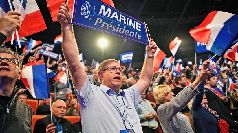 Front National: Anhänger von Marine Le Pen feiern ihre Kandidatin in Lyon.