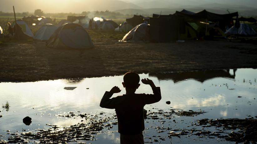 Unicef: Ein Junge in einem Flüchtlingscamp an der griechisch-mazedonischen Grenze