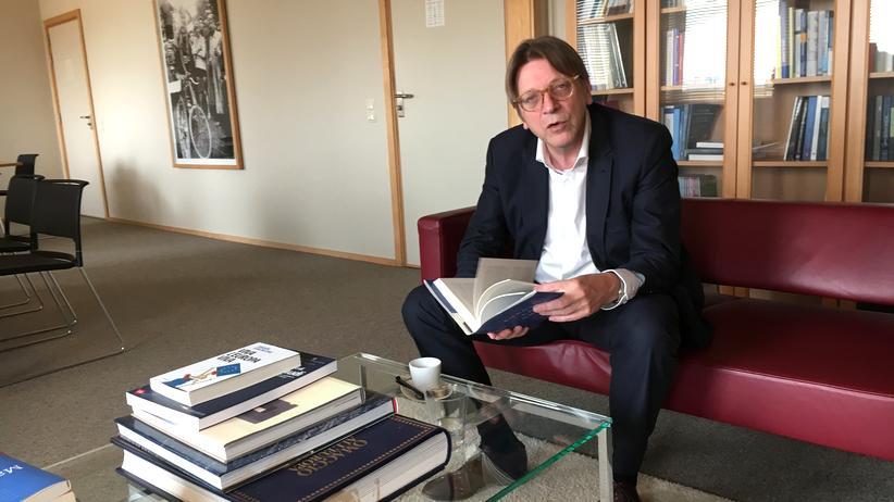 Guy Verhofstadt in seinem Büro im europäischen Parlament