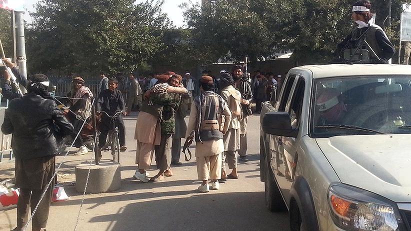 Afghanistan: Talibankämpfer feiern die Einnahme von Kundus, am 29. September 2015