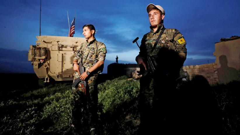 Syrien: Die Türken betrachten sie als Feinde, für die US-Amerikaner sind sie enge Verbündete im Kampf gegen die IS-Miliz: kurdische Kämpfer der YPG in Nordsyrien.