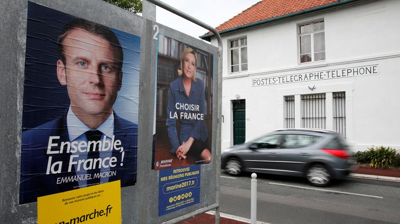 Frankreich: Wahlplakate von Emmanuel Macron und Marine Le Pen