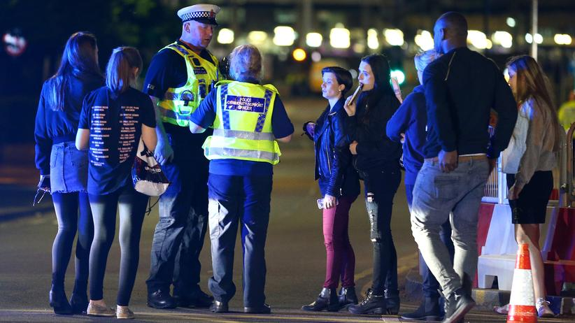 Die Polizei behandelt die Explosion in Manchester als Terroranschlag.