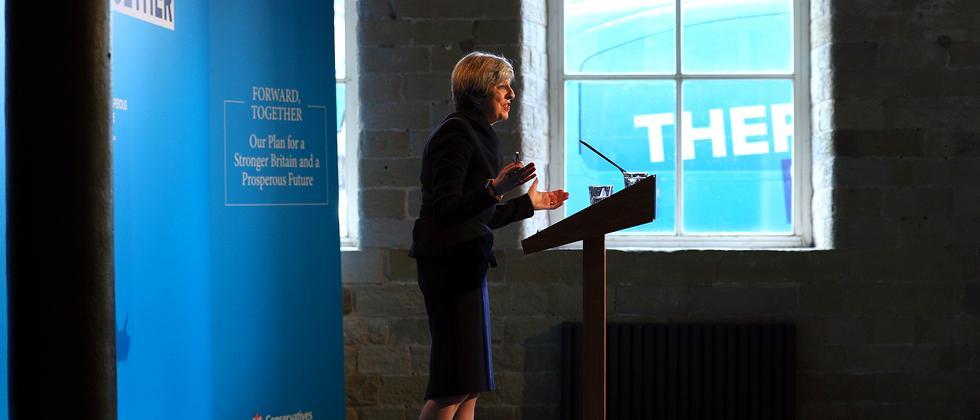 Großbritanniens Premierministerin Theresa May präsentiert in Halifax das Wahlprogramm
