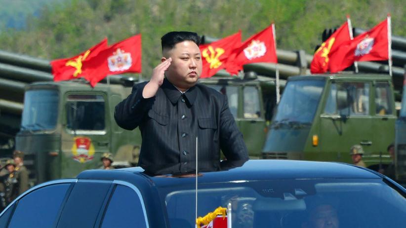 Atomkonflikt: Kim Jong Un bei einer Militärparade