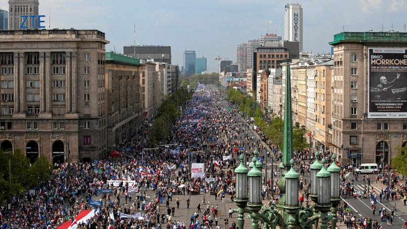 """Warschau: Teilnehmer des """"Marsch für die Freiheit"""" in Warschau"""