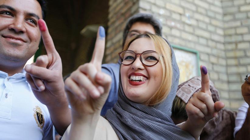 Präsidentschaftswahl im Iran : Ein Land voller bunter Finger