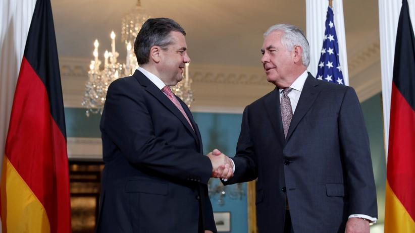 Außenminister Sigmar Gabriel mit seinem US-Amtskollegen Rex Tillerson.